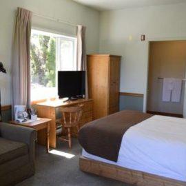 Harbour View Standard Hotel Room Salt Spring Island Harbour House Ganges